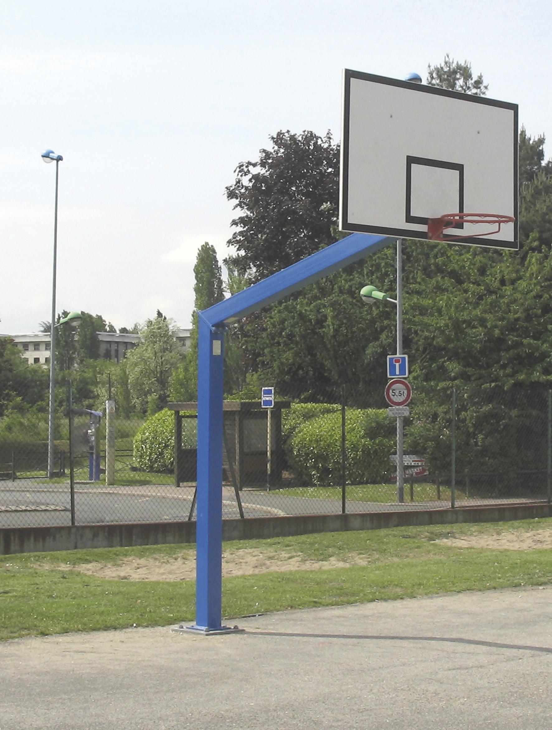 Image of   Basketball Goal Galvaniseret - 3,05 m - Monteringsplade - Udhæng 2,25 m